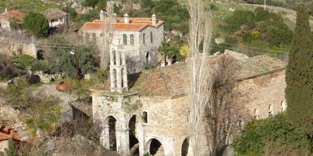 Kaderine Terk Edilen Kilise Vandalizm Kurbanı