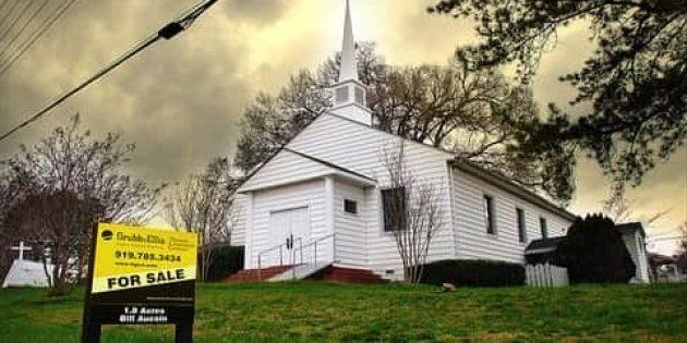 ABD'de Haftada 100 Kilise Kapanıyor