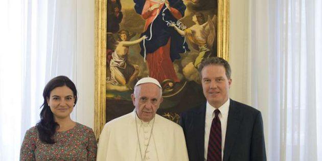 Vatikan Sözcüsü ve Yardımcısı İstifa Etti