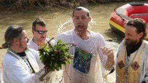 Epifani Bayramı'nda Birçok İmanlı Şeria Nehri'ne Akın Etti