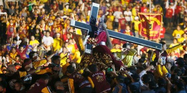 Yer: Filipinler… Akın Akın Oraya Gittiler! Yine İzdiham Yaşandı