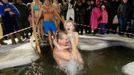 Rus Ortodokslar Epifani Bayramı'nı Buzlu Sularda Kutladı