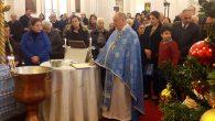 İskenderun Ortodoks Kilisesi'ndeki Vaftiz Bayramında Takdis Edilen Sular Cemaate Dağıtıldı