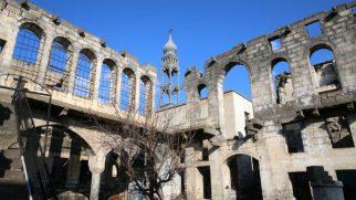 Teröristlerin Tahrip Ettiği Kiliseler Restore Edilecek