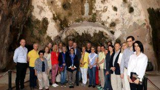 AB Büyükelçileri, St. Pierre ve Vakıflı Ermeni Kilisesini de Ziyaret Etti