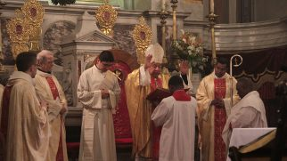 İstanbul Kutsal Ruh Katedrali'nde Paskalya Bayramı Kutlandı