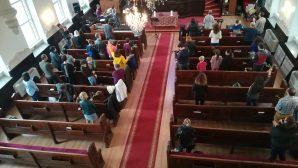 Pera Diriliş Kilisesi'nde İsa Mesih'in Yeruşalim'e Girişi Anıldı