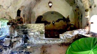 400 Yıllık Ortodoks Kilisesi'ne Çadır Kurdular