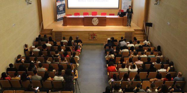 Gençler, 5. Dünya Gençlik Parlamentosu'nda Buluştu