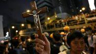 Hong Konglu Protestocular, Katolik Kilisesi'nde Tutuklandı