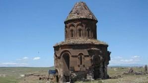 Ermenistan sınırındaki kiliselere restorasyon