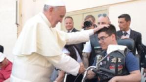 Papa Francis Harleycileri Kutsadı