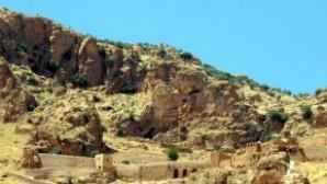 Süryaniler Manastır Arazisini Geri İstiyor