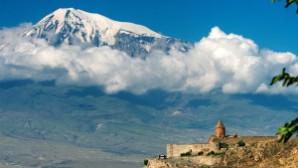 Türkiye ve Fransa'dan bir grup aydın, Türk-Ermeni ilişkilerinde barış çağrısı yaptı