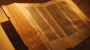 Üç Rus istihbaratçı 15 milyon dolar değerindeki İncil nüshasını satarken yakalandı