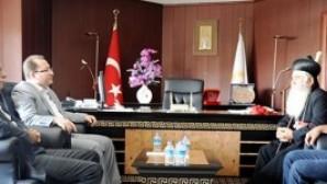 Almanya Süryani Metropoliti Hanna, Mardin BB Başkanı Ahmet Türk'le görüştü