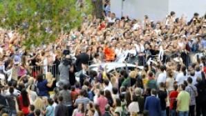 Papa'nın ziyareti Arnavutluk'ta heyecan yarattı