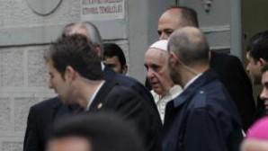 Papa, mülteci çocuklar ve gençlerle buluştu