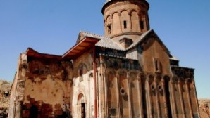 """Kars Ani'deki """"1001 Kilise""""nin restorasyonu için düğmeye basıldı"""