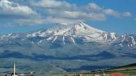 Yılın ilk karı Erciyes'e düştü