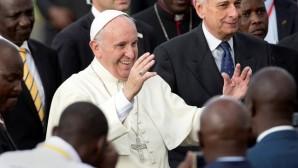 Papa'nın Afrika gezisi başladı