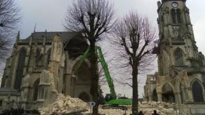 Fransa'da Hristiyan Kiliselerinin Yıkımı İçin Bir Kampanya Başlatıldı