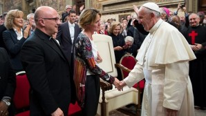 Papa Françesko Özel Sağlık Komisyonu Kuruyor