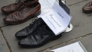 Yüzlerce Ayakkabıyla Protesto Ettiler