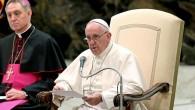 Papa yaşamını yitirenler için dua etti