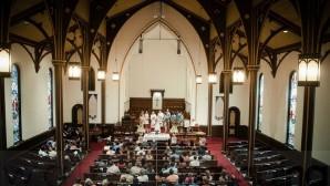 Hollanda'da Kiliseler Satışa Çıkarılıyor