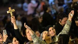 IŞİD Kaçırdığı Rahibi Çarmıha Gerdi