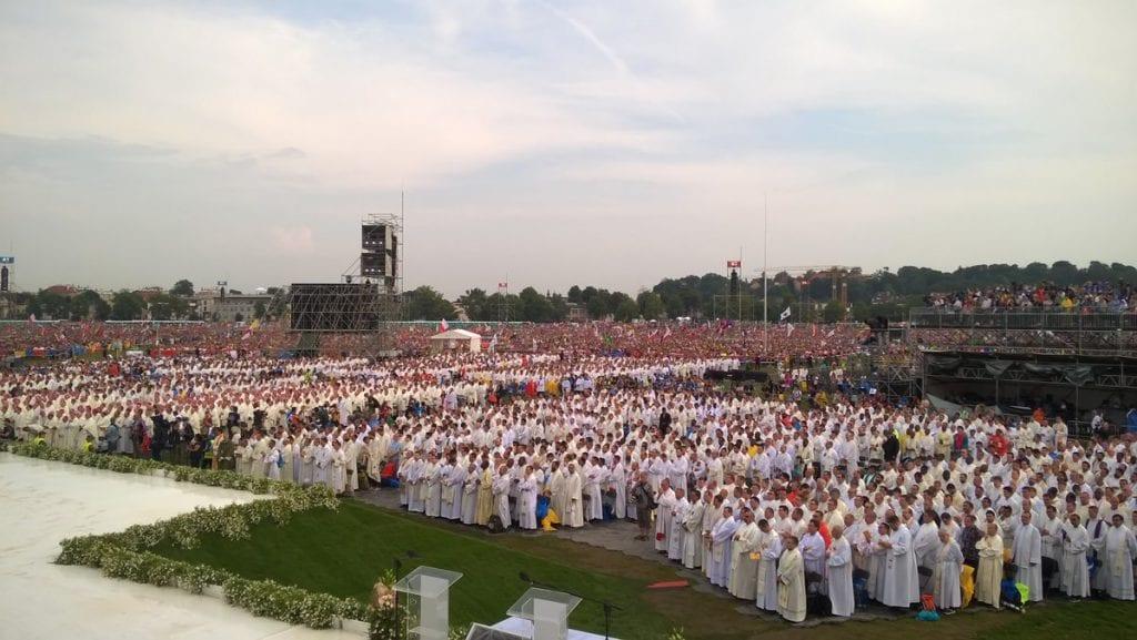 Dünya Gençlik Festivaline Yüzbinlerce kişi katılıyor.