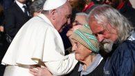 Papa, evsizler için plaj turları başlattı