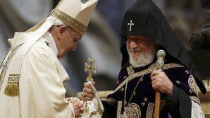 Papa ilk kez Gürcistan'ı ziyaret etti