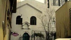Kilise Avlusundan Yaya Yolu Geçecek