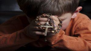 İsveç: Hristiyan Okul Öğrencilerinin Yemek Öncesi Dua Etmesi Yasaklandı