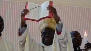 Zambiya: Episkoposluk, Yerel Dillerde Tercüme Edilen Katolik Kutsal Kitabı Tanıttı