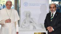 Papa Françesko 'Göç Trajedisinin Sembolü' Aylan Kurdi'nin Heykelini Hediye Etti