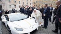 Papa Françesko, Lamborghini Marka Aracı Yardım Amacıyla Müzayedeye Verdi
