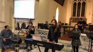 İzmir'de Tapınma Akşamı