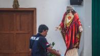 Bir Saldırgan, İsa Mesih Heykelinin Başını Kırdı