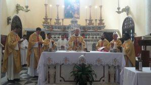 İskenderun Katedralinde Krizma Kutsaması Gerçekleştirildi