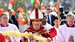 """Papa, Yüksek sesle """"Hozanna"""" Diye Bağırın!"""
