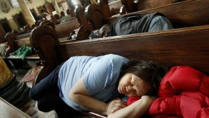 St. Boniface Kilisesi'nin Kapıları Evsizler İçin Gece Boyu Açık!