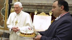 Emekli Papa XVI. Benedikt'in 91. Yaş Gününü Kutlandı