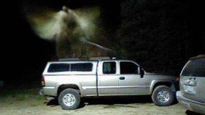 Güvenlik Kamerası bir Koruyucu Melek Görüntüsü Yakaladı