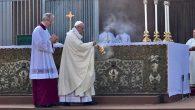 Papa Corpus Christi Bayramı'nı İlk Kez Roma'nın Dışında Kutladı