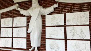 Kiliseden Kaldırılan İsa Mesih Heykeli'ne Yeni Bir Yer Bulundu