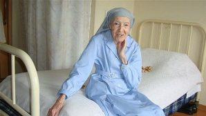 Dünyanın En Yaşlı Rahibesi, Japonya'da Hayatını Kaybetti