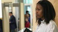 """Kız Öğrenci """"Yasa Dışı Müjdecilik"""" Sebebi İle Yargılandı"""